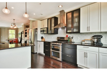 Renovated 2 Bedroom Townhouse in Jacob's Ferry Community